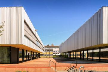Primarschule mit Turnhallen - Ansicht Südost - Konstrukt AG - 2013 - Emmenbrücke
