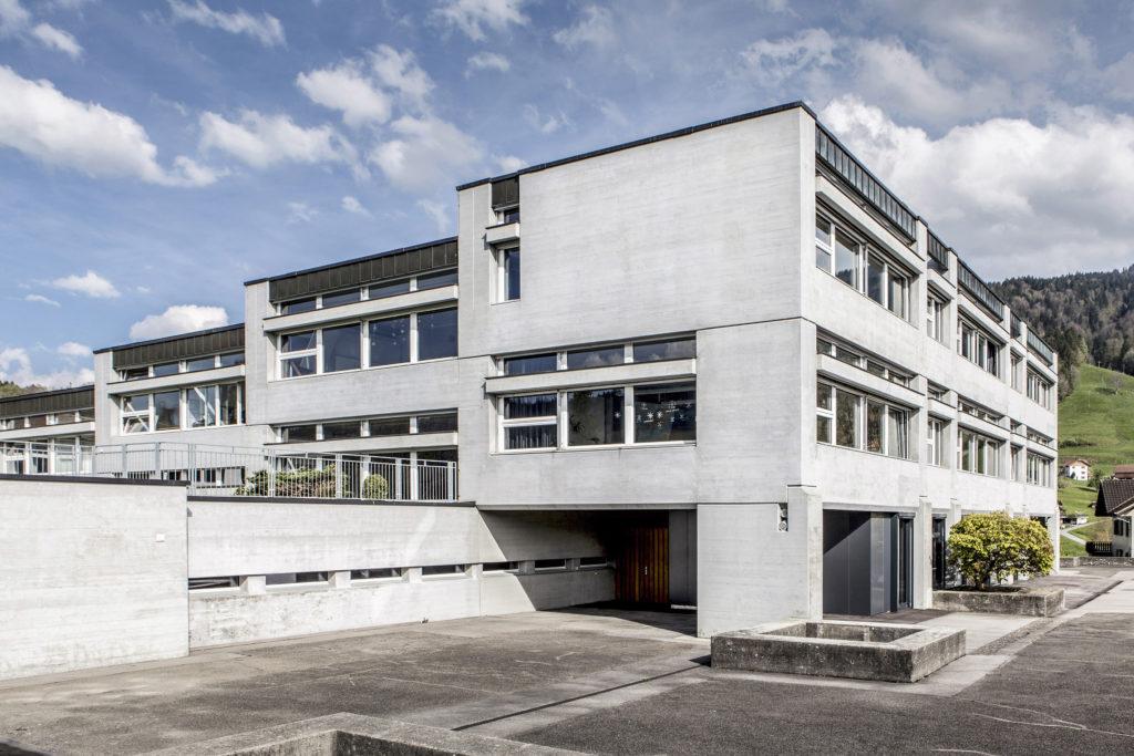 Kantonsschule - Ansicht West - Atelier CJP - 1962 - Schüpfheim
