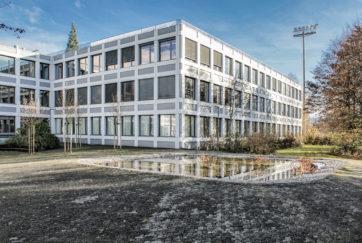 Kantonsschule Sursee - Ansicht Nordwest (Hof) - Wandeler, Max-Milian - 1972 - Sursee