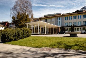 Schulhaus Seematt 1 - Ansicht West - Helber, Gottfried - 1957 - Küssnacht am Rigi