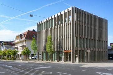 Raiffeisenbank - Ansicht Süd - Lütolf Scheuner - 2010 - Küssnacht am Rigi