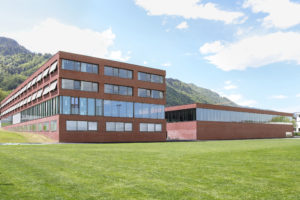 8863.02b_Mittelpunktschule Huegelacher