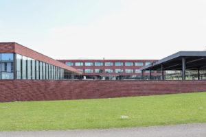 8863.02c_Mittelpunktschule Huegelacher