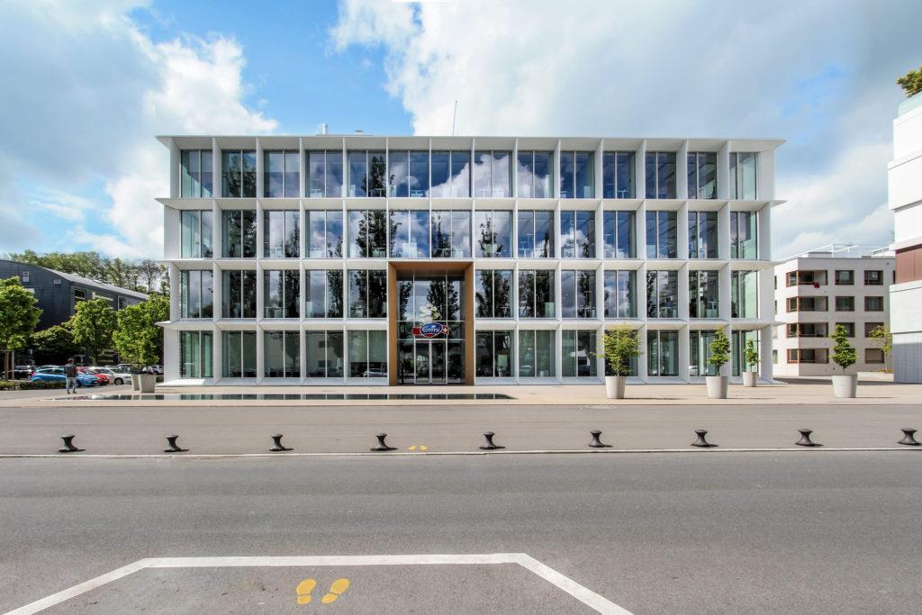 Hauptsitz Emmi - Ansicht Nordost - Rüssli Architekten AG - 2014 - Luzern