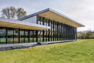 Turn- und Mehrzweckhalle - Ansicht Nordwest - Graber Steiger - 2002 - Kriens