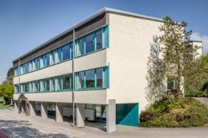 6147.01c_Schulhaus