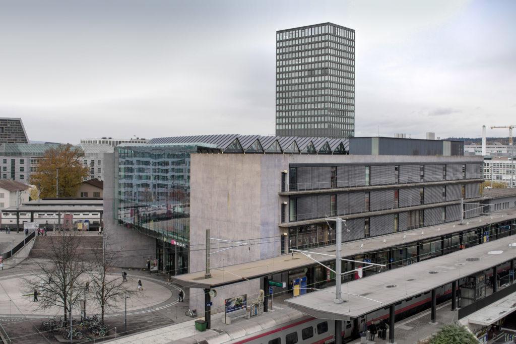 Stationsgebäude SBB - Ansicht Südost - Hornberger Architekten AG - 2003 - Zug