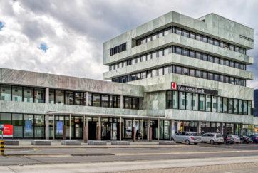 Schwyzer Kantonalbank - Ansicht Nord - Hafner Räber - 1968 - Schwyz