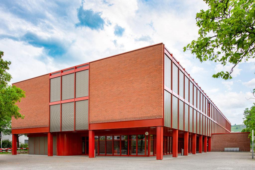 Schulhaus Sternmatt 2 - Ansicht Nordwest - Hafner Wiederkehr - 1979 - Baar