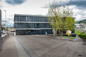 8832.02a_gemeindehaus Und Raiffeisenbank