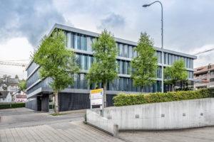 8832.02c_gemeindehaus Und Raiffeisenbank