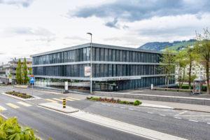 8832.02e_gemeindehaus Und Raiffeisenbank