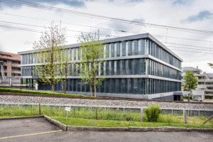 8832.02f_gemeindehaus Und Raiffeisenbank