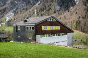 8783.01e_Schulhaus Auen