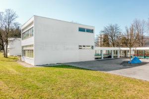 2504.01g_Schulhaus_Battenberg