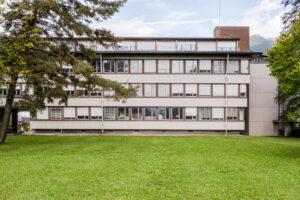 8867.01f_Niederurnen_Verwaltungsgebäude_Eternit